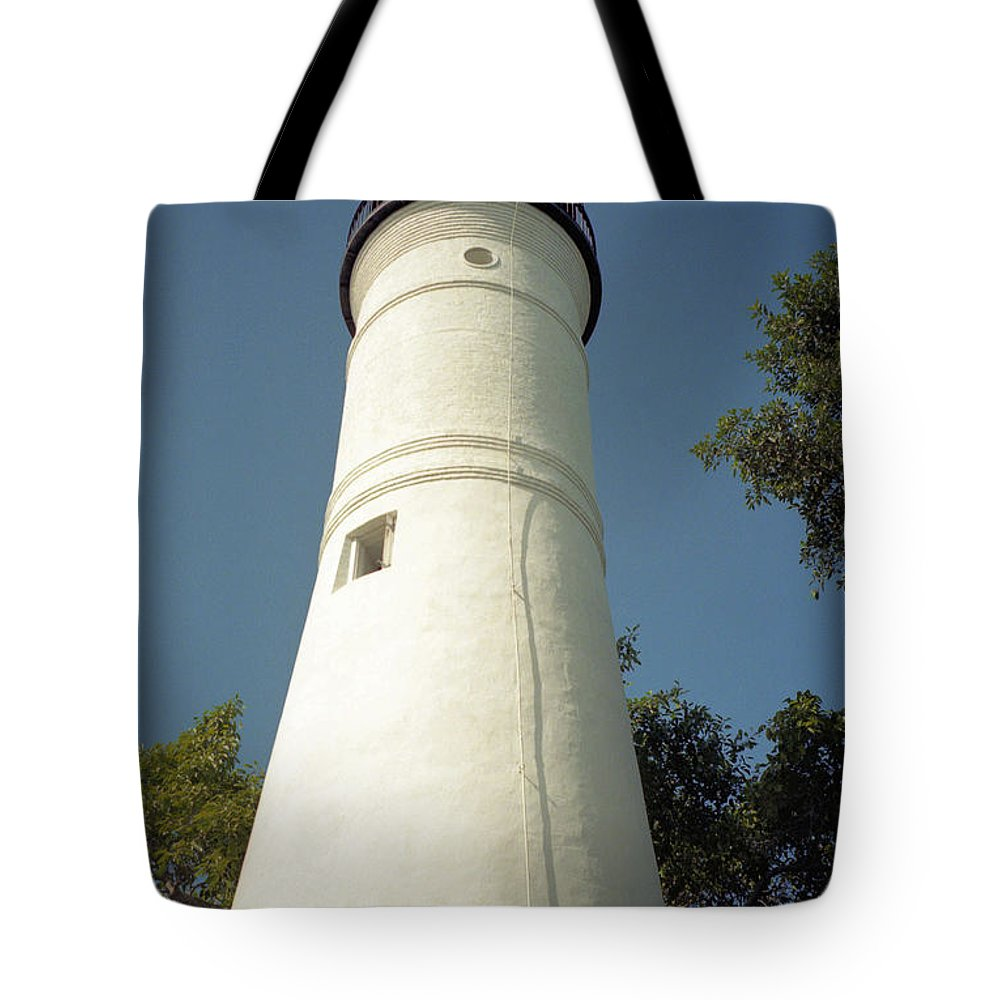 Lighthouses Tote Bag featuring the photograph Key West Lighthouse by Richard Rizzo