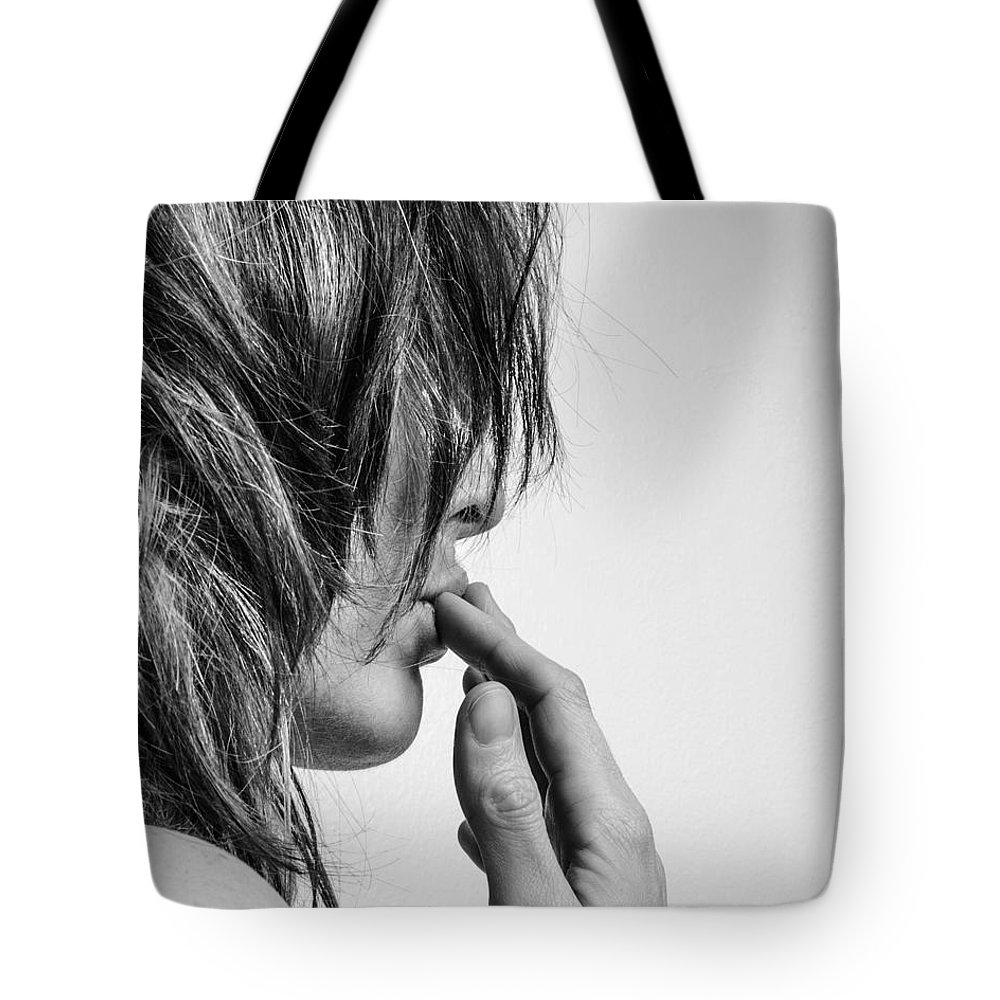 Blk And Wht Tote Bag featuring the photograph Kisses by Jae Feinberg