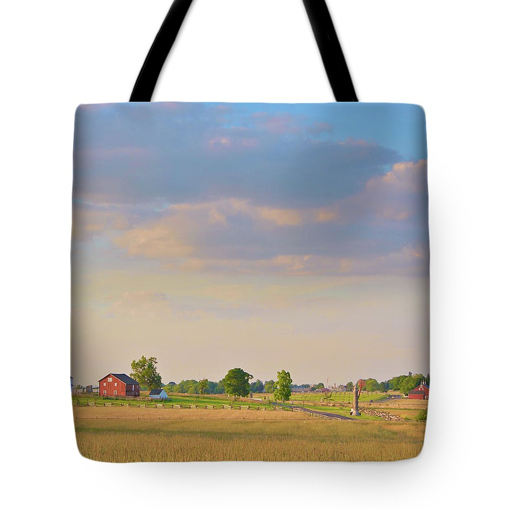 Civil War Tote Bag featuring the photograph Klingel Farm by Jen Goellnitz