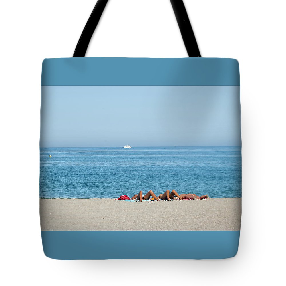 Seascape Tote Bag featuring the photograph Knees Up by Jill Mitchell