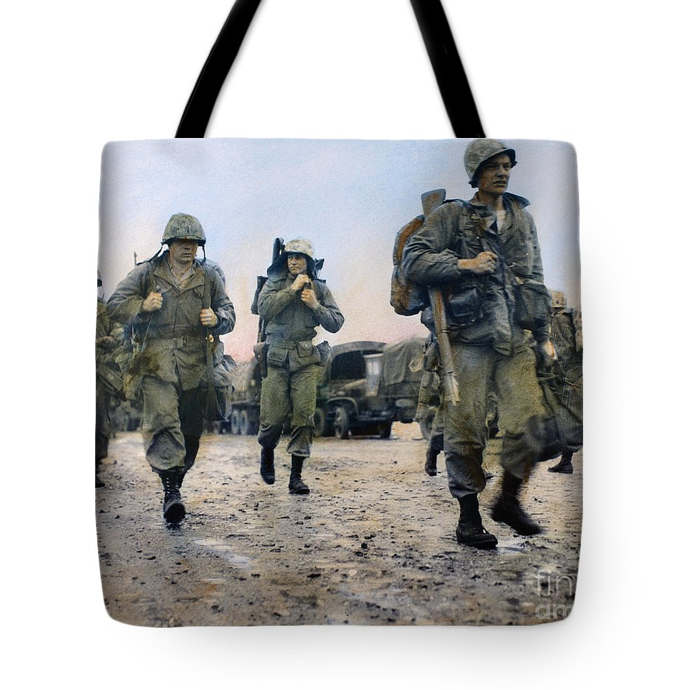 1953 Tote Bag featuring the photograph Korean War: Marines, 1953 by Granger