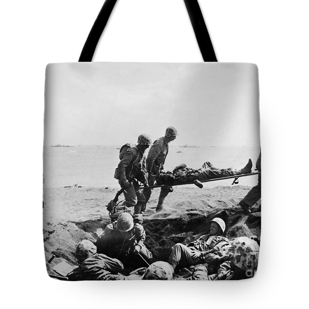 1950 Tote Bag featuring the photograph Korean War: Wounded by Granger