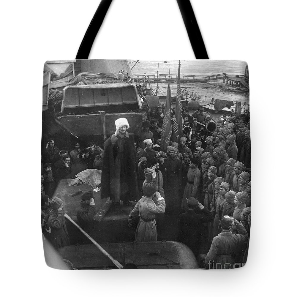 1921 Tote Bag featuring the photograph Kronstadt Mutiny, 1921 by Granger