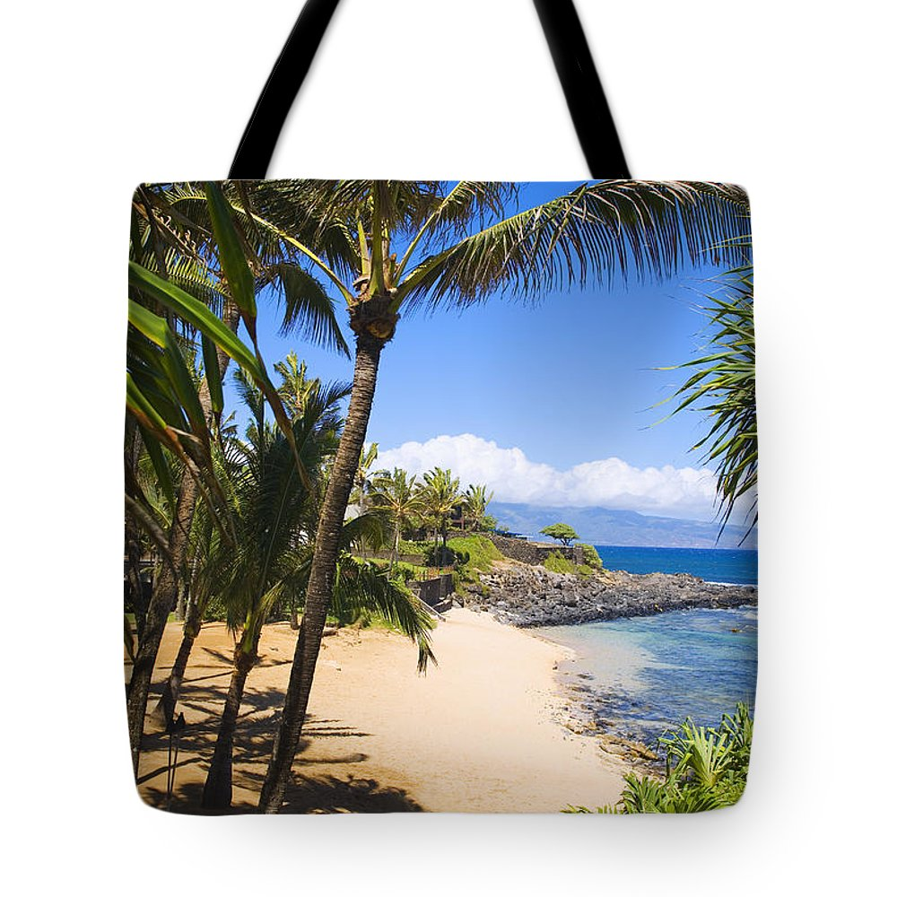 Beach Tote Bag featuring the photograph Kuau Cove by Ron Dahlquist - Printscapes