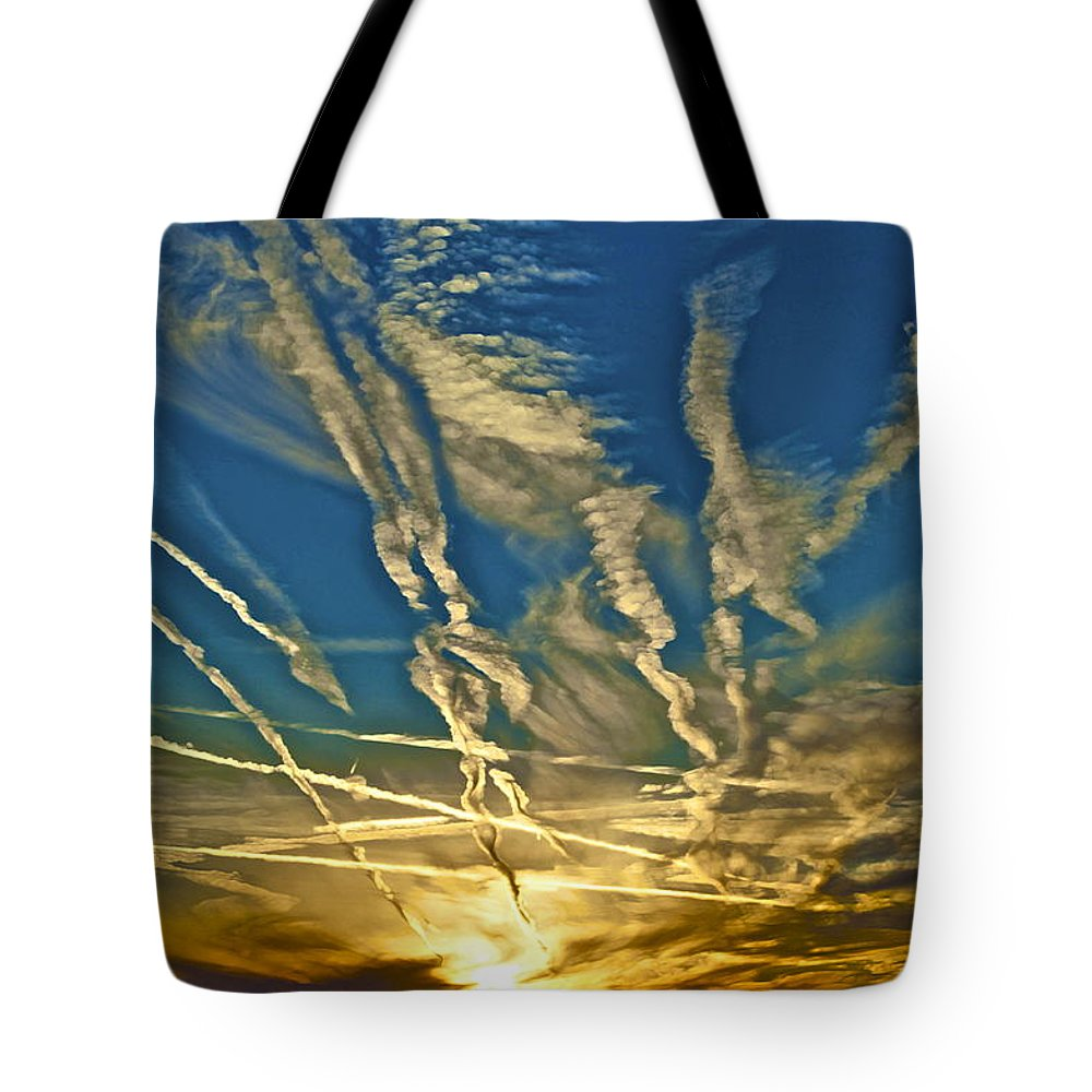 Lake Havasu Tote Bag featuring the photograph Lake Havasu Sunset by Gwyn Newcombe