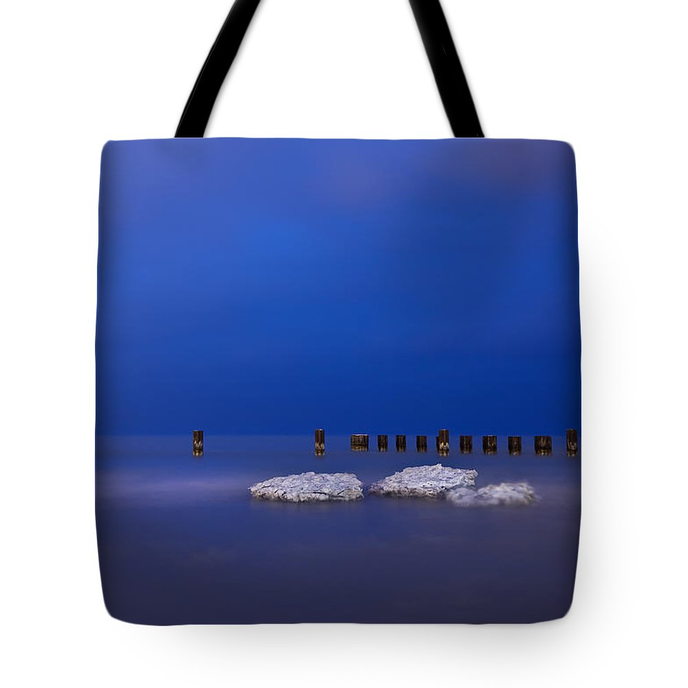 Winter Tote Bag featuring the photograph Lake Ice Chicago by Steve Gadomski
