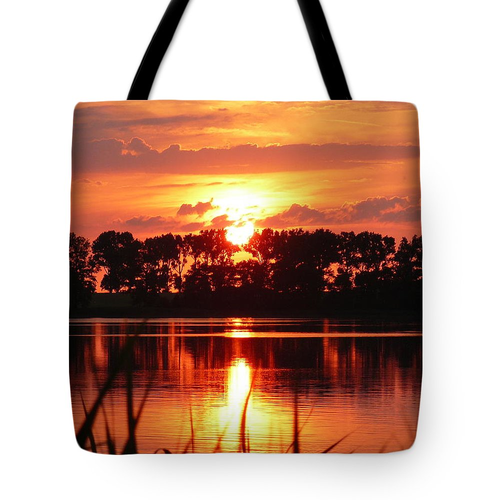 Landscap Tote Bag featuring the photograph Landscap by Isabell Von Piotrowski