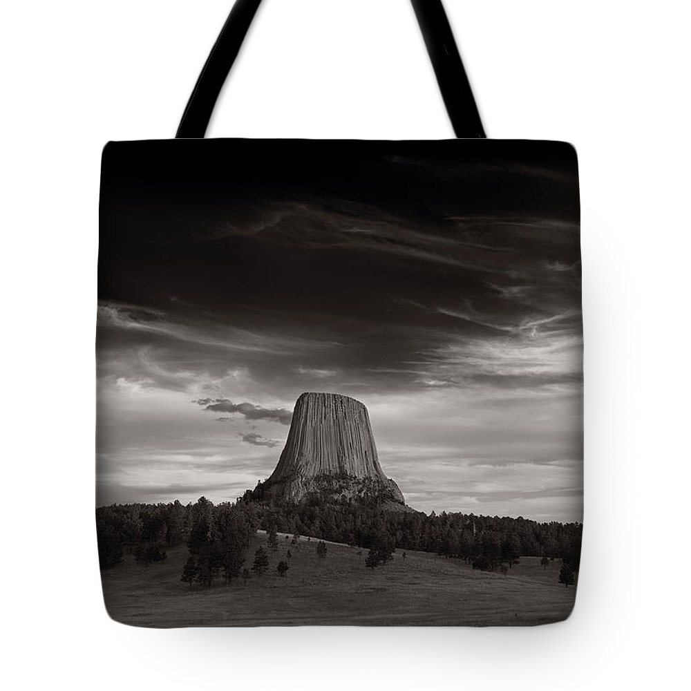 Wyoming Tote Bag featuring the photograph Last Light On Devils Tower Bw by Steve Gadomski