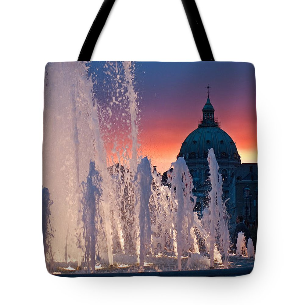 Fountain Tote Bag featuring the photograph Late Evening At The Amalie Garden by Keenpress