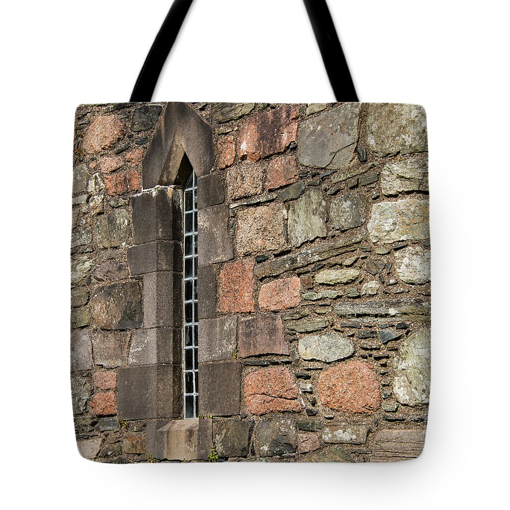 Isle Of Iona Tote Bag featuring the photograph Leaded Nunnery Window by Bob Phillips