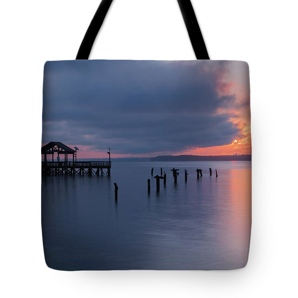 Leesylvania State Park Tote Bag featuring the photograph Leesylvania Morning by Khursheed Siddiqui