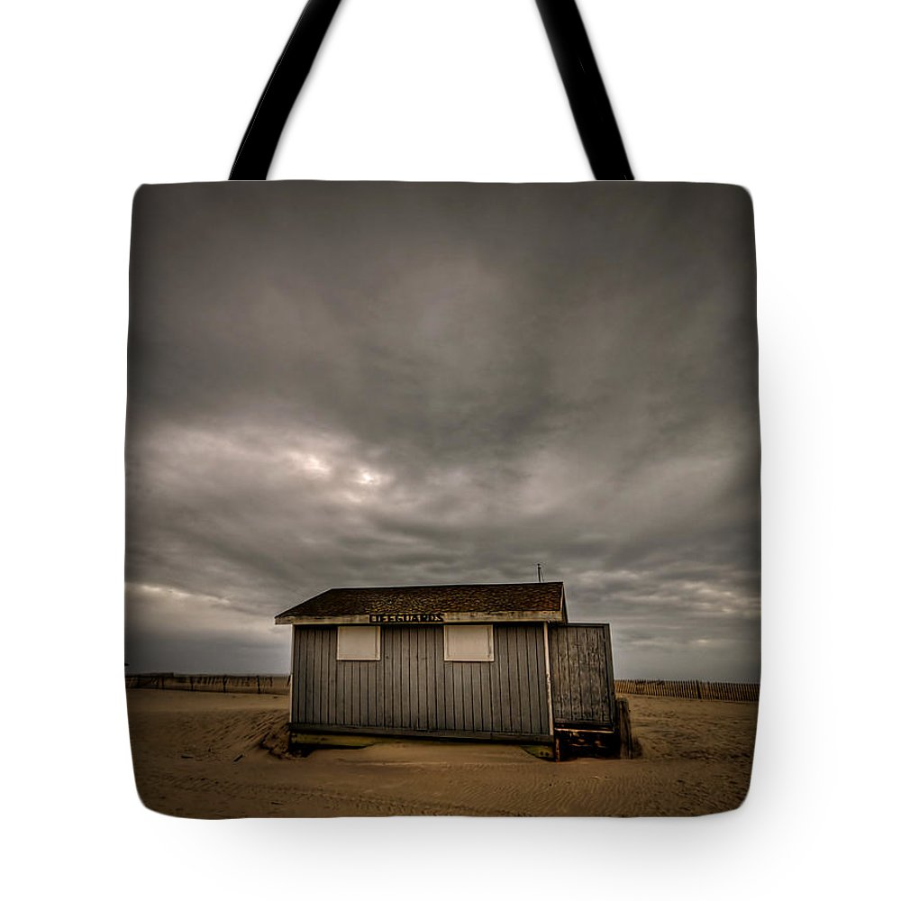 Beach Tote Bag featuring the photograph Lifeguard Shack by Evelina Kremsdorf