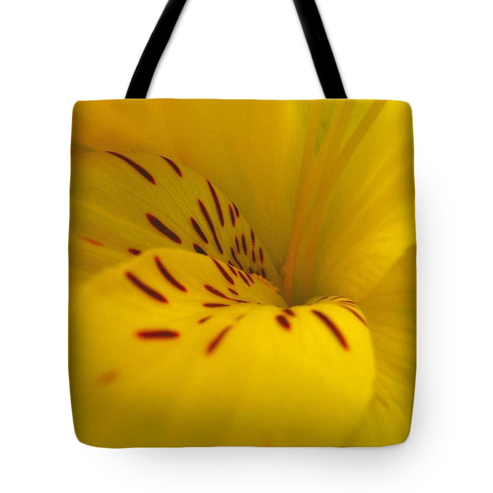Yellow Tote Bag featuring the photograph Lily by Rhonda Barrett