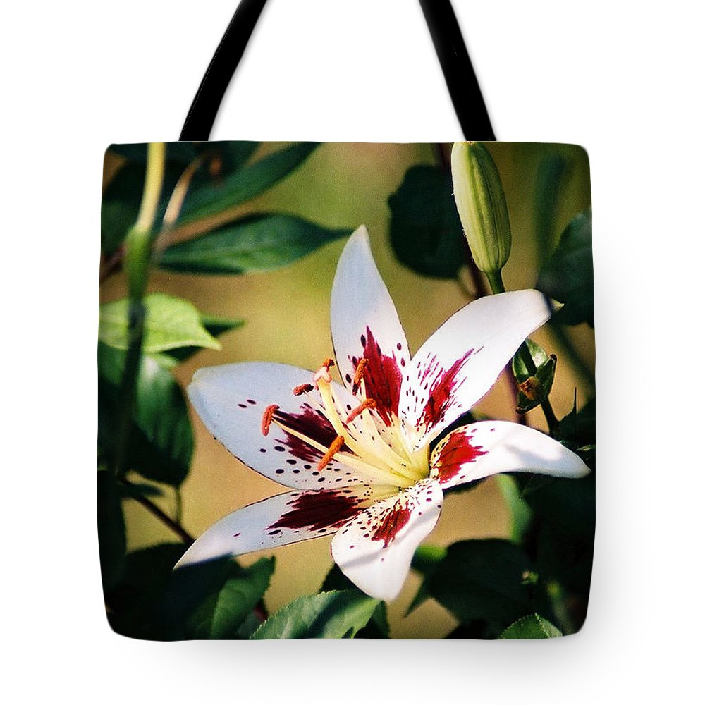 Flower Tote Bag featuring the photograph Lily by Steve Karol