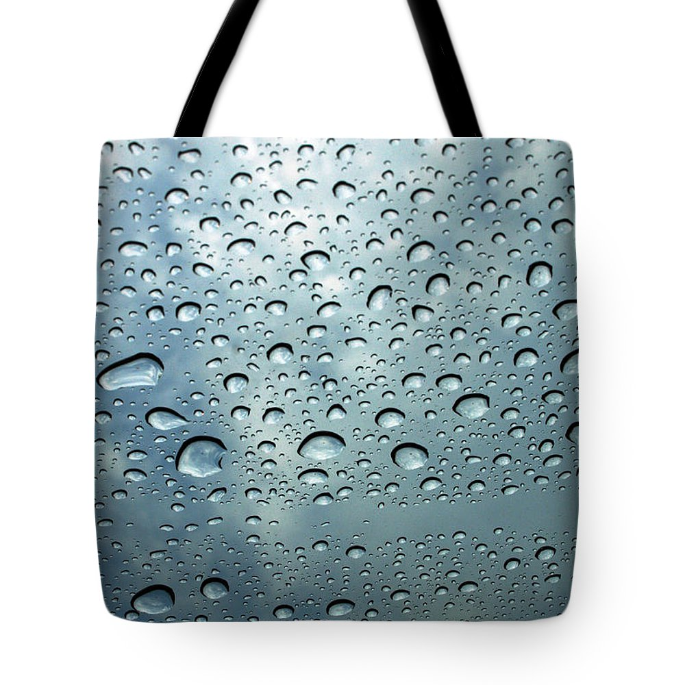 Photography Tote Bag featuring the photograph Little Drops Of Rain by Linda Sannuti