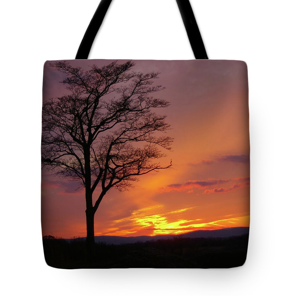 Gettysburg Tote Bag featuring the photograph Little Round Top Sunset by Jen Goellnitz