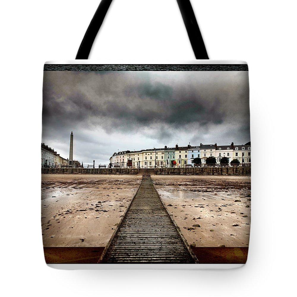 Llandudno Tote Bag featuring the photograph Llandudno North Shore by Mal Bray