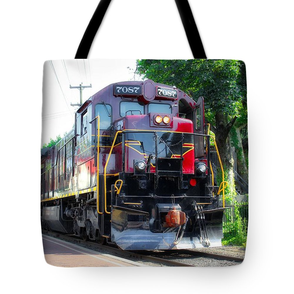 Trains Tote Bag featuring the photograph Locomotive In Color by Todd Dunham