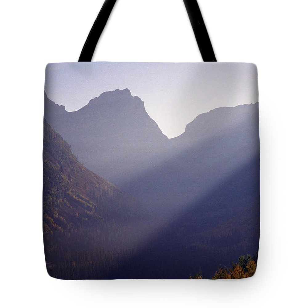 Mountains Tote Bag featuring the photograph Logan Pass by Richard Rizzo