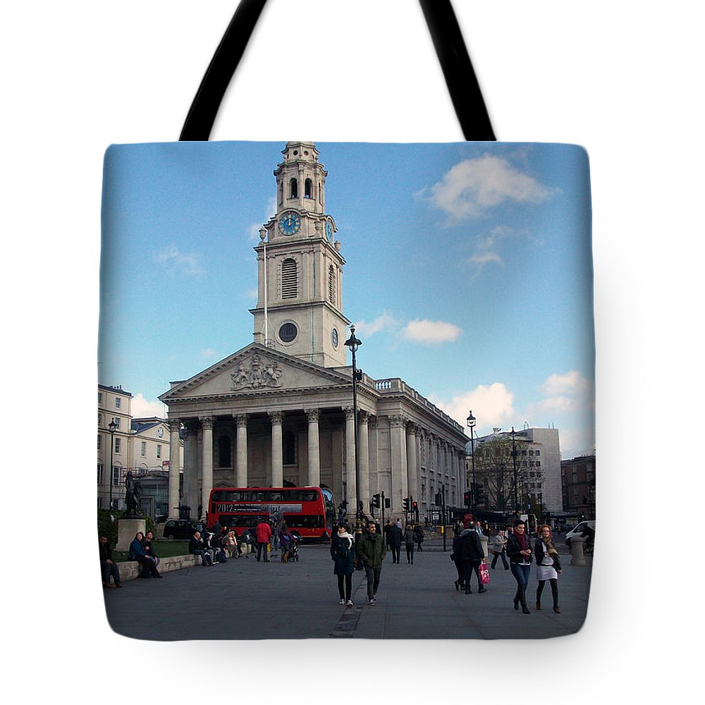 London Tote Bag featuring the photograph London - Sunny Day by Munir Alawi