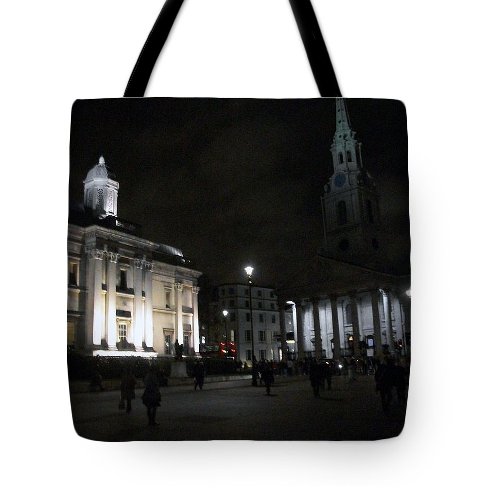 London Tote Bag featuring the photograph London At Night by Munir Alawi