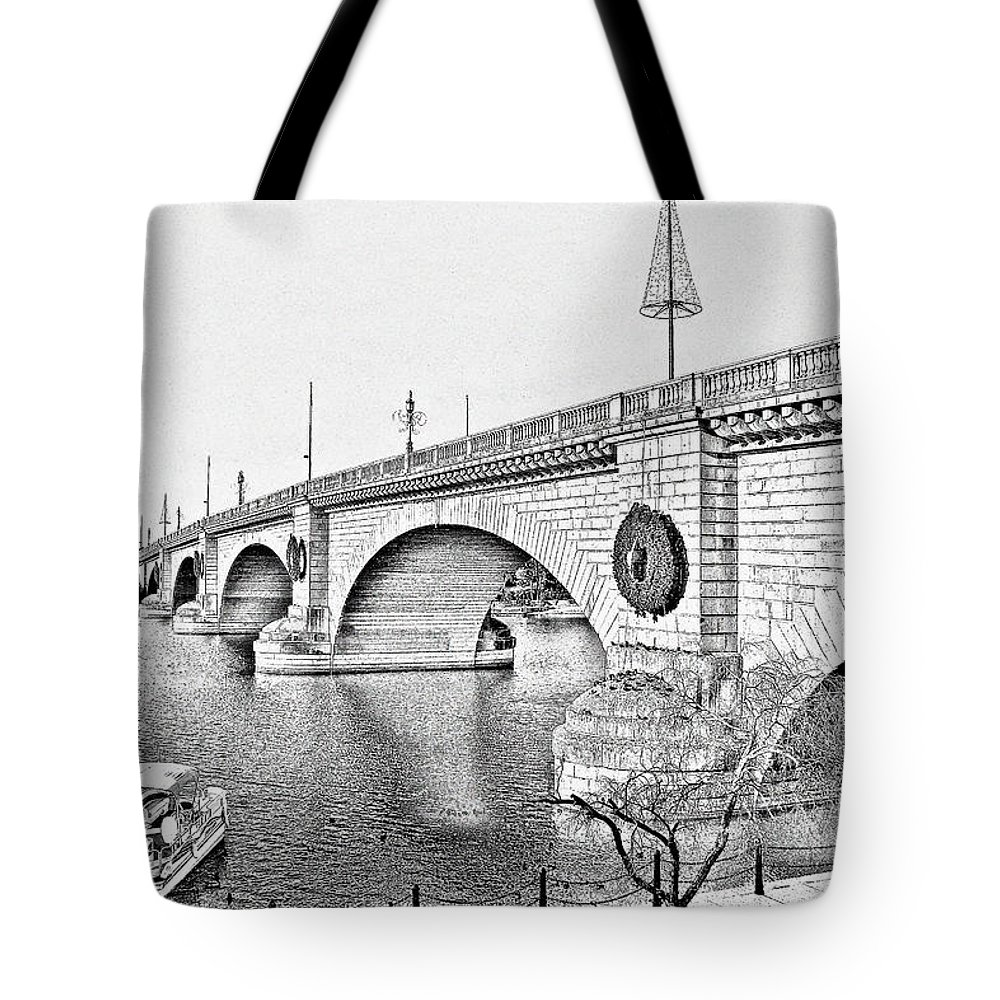 Lake Havasu Tote Bag featuring the photograph London Bridge Lake Havasu City Arizona by Christine Till