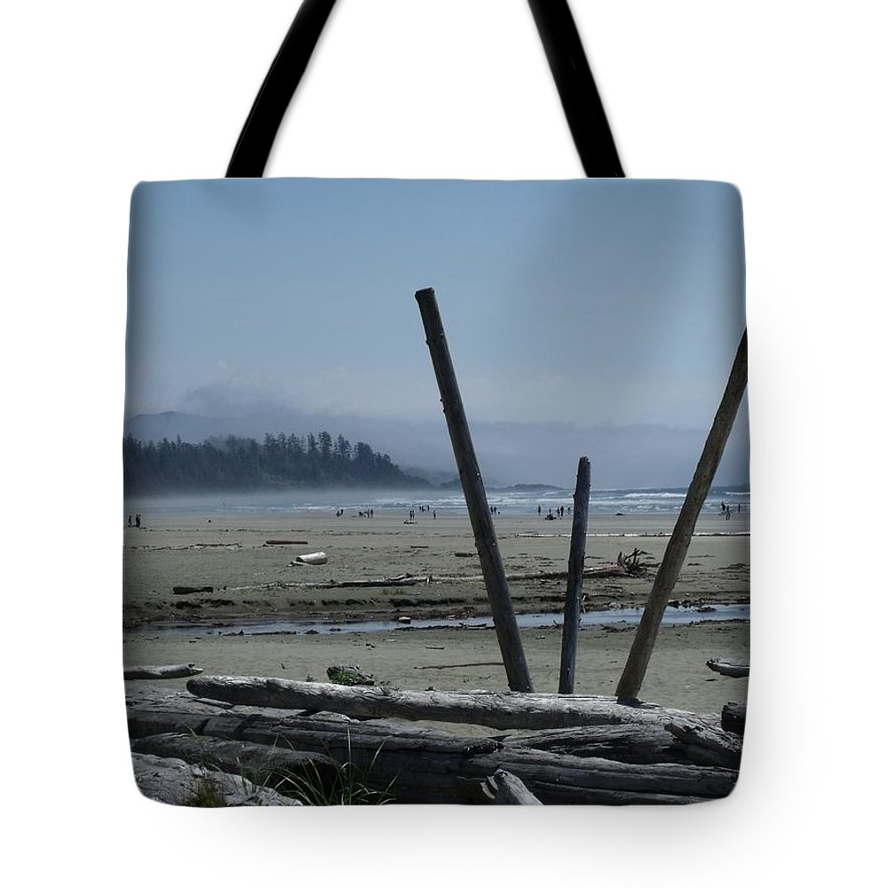 Beach Tote Bag featuring the photograph Long Beach Summer Days by Karen Young