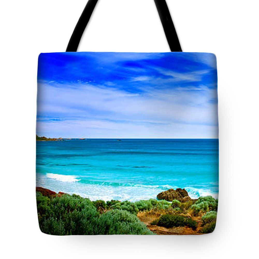 Smiths Beach Tote Bag featuring the photograph Look To The Horizon by Az Jackson