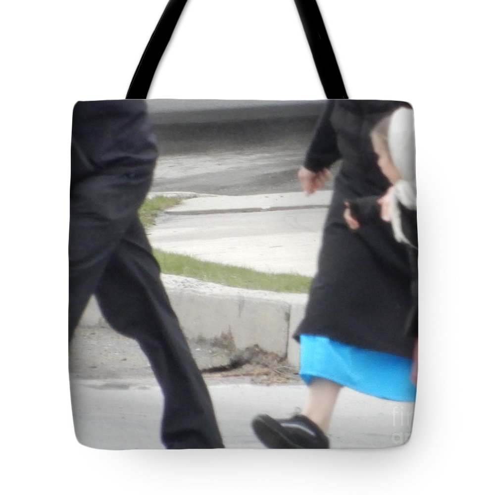 Amish Tote Bag featuring the photograph Looking At Mom by Christine Clark