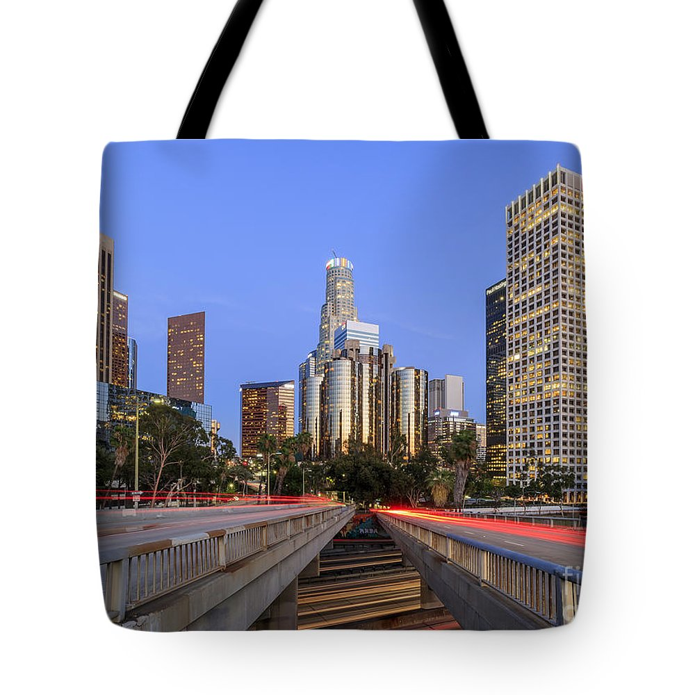Los Angeles Tote Bag featuring the photograph Los Angeles Downtown Night Scene by Chon Kit Leong