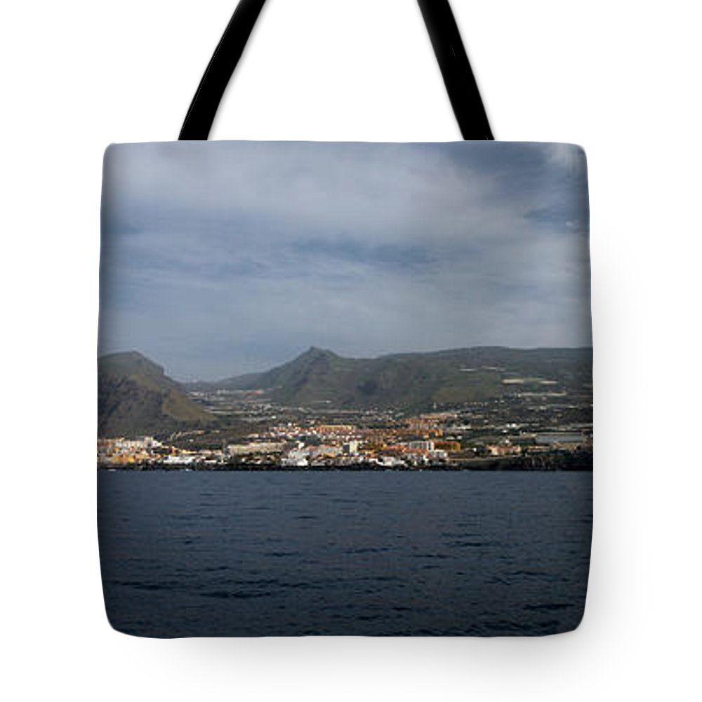Valasretki Tote Bag featuring the photograph Los Gigantes Panorama 2 by Jouko Lehto