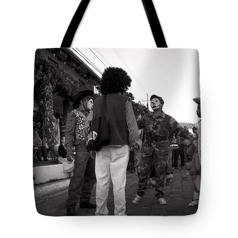 Historiantes Tote Bag featuring the photograph Los Historiantes De Apaneca 3 by Totto Ponce