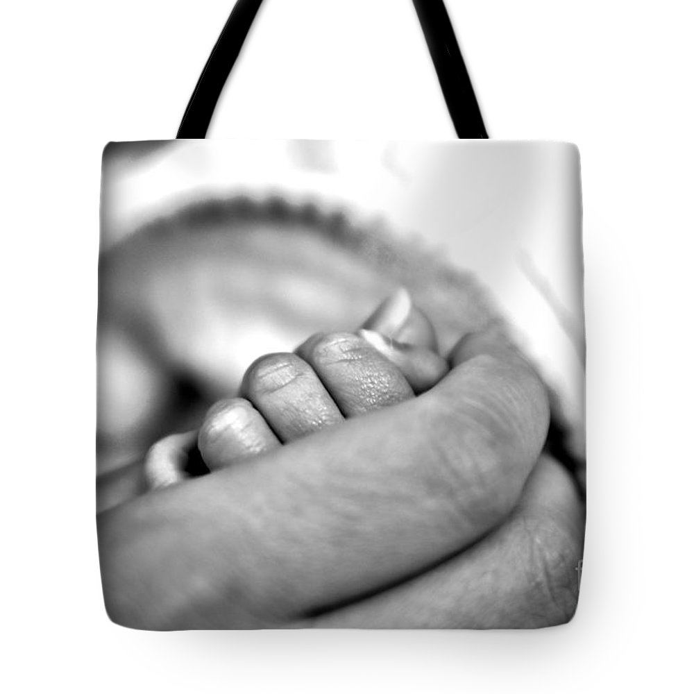 Love Tote Bag featuring the photograph Love by Jeramey Lende