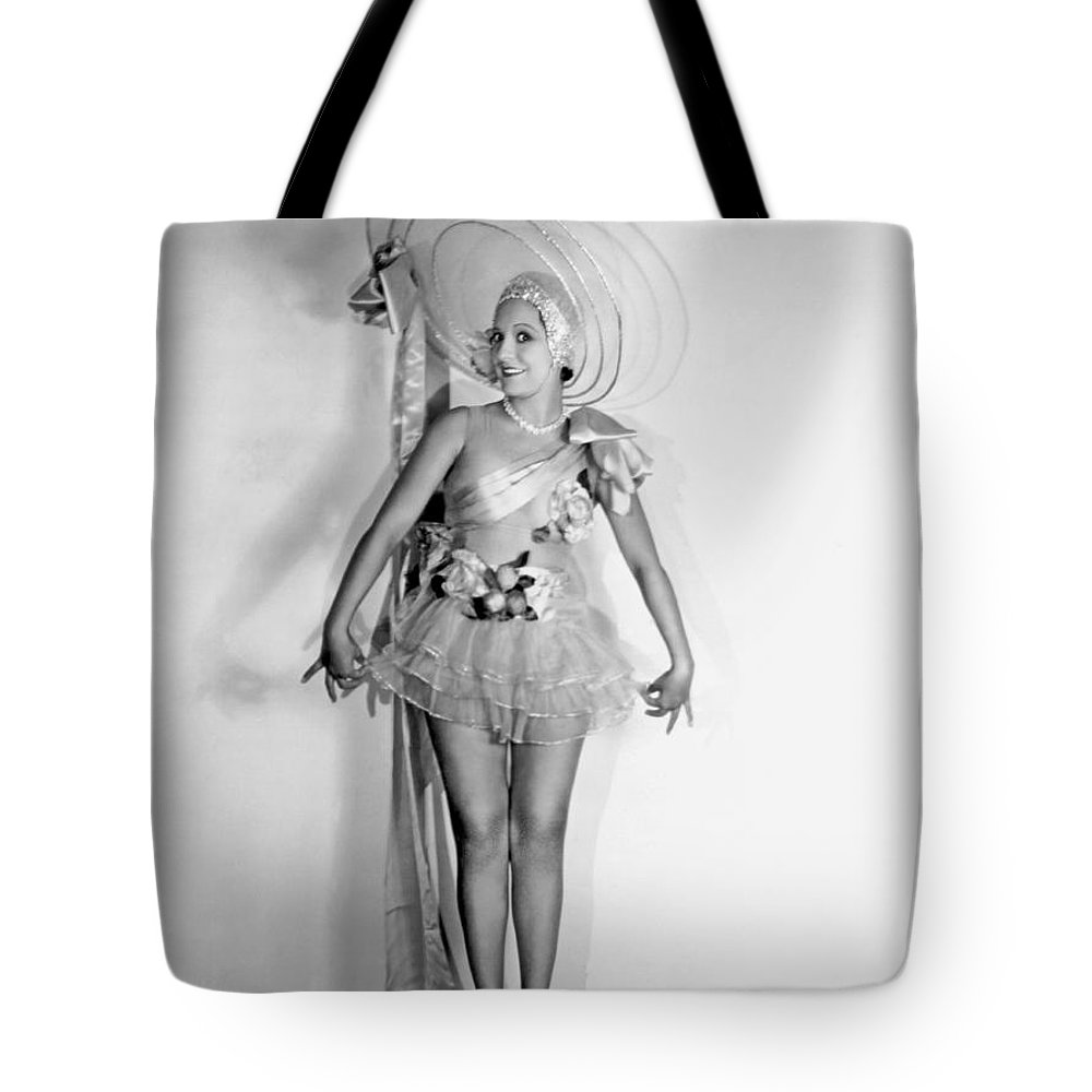 1 Person Tote Bag featuring the photograph Lovely In Lace by Underwood Archives