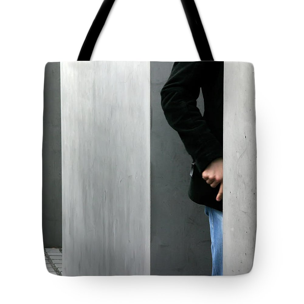 Berlin Tote Bag featuring the photograph Lovers In Berlin by KG Thienemann