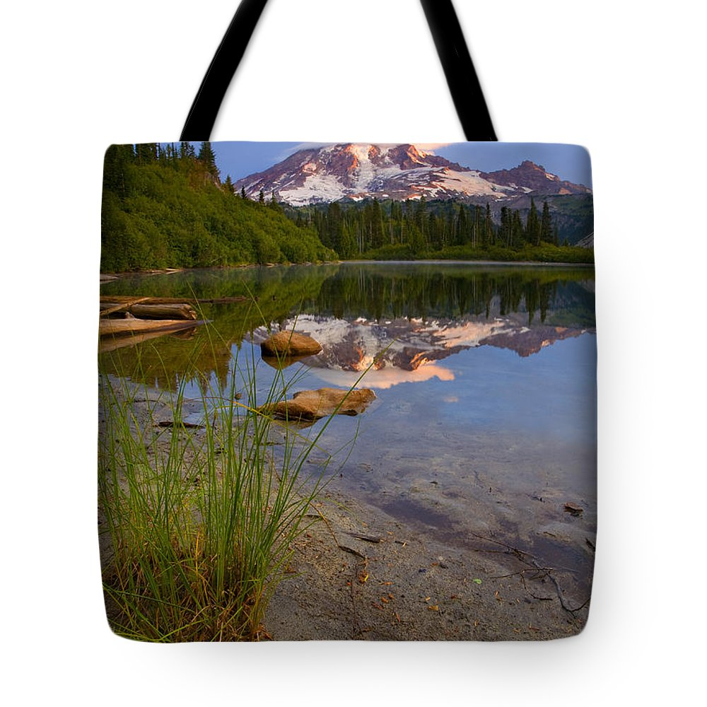 Mt. Rainier Tote Bag featuring the photograph Majestic Glow by Mike Dawson