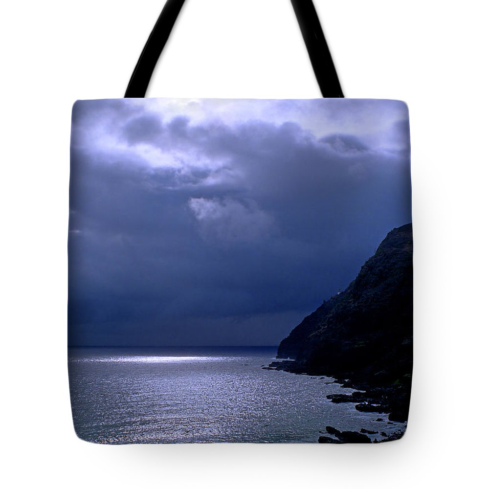 Makapuu Tote Bag featuring the photograph Makapuu Moon by Kevin Smith