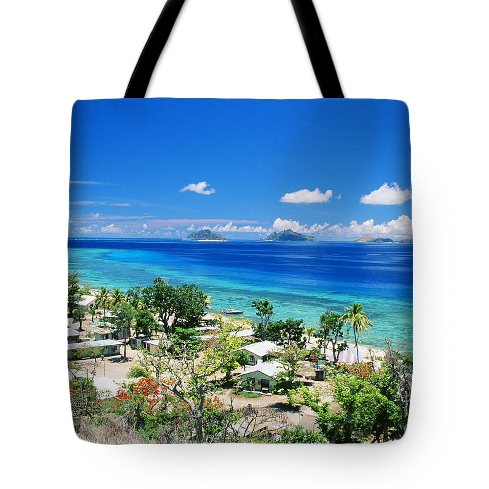 Beautiful Tote Bag featuring the photograph Mana Island by Dave Fleetham - Printscapes