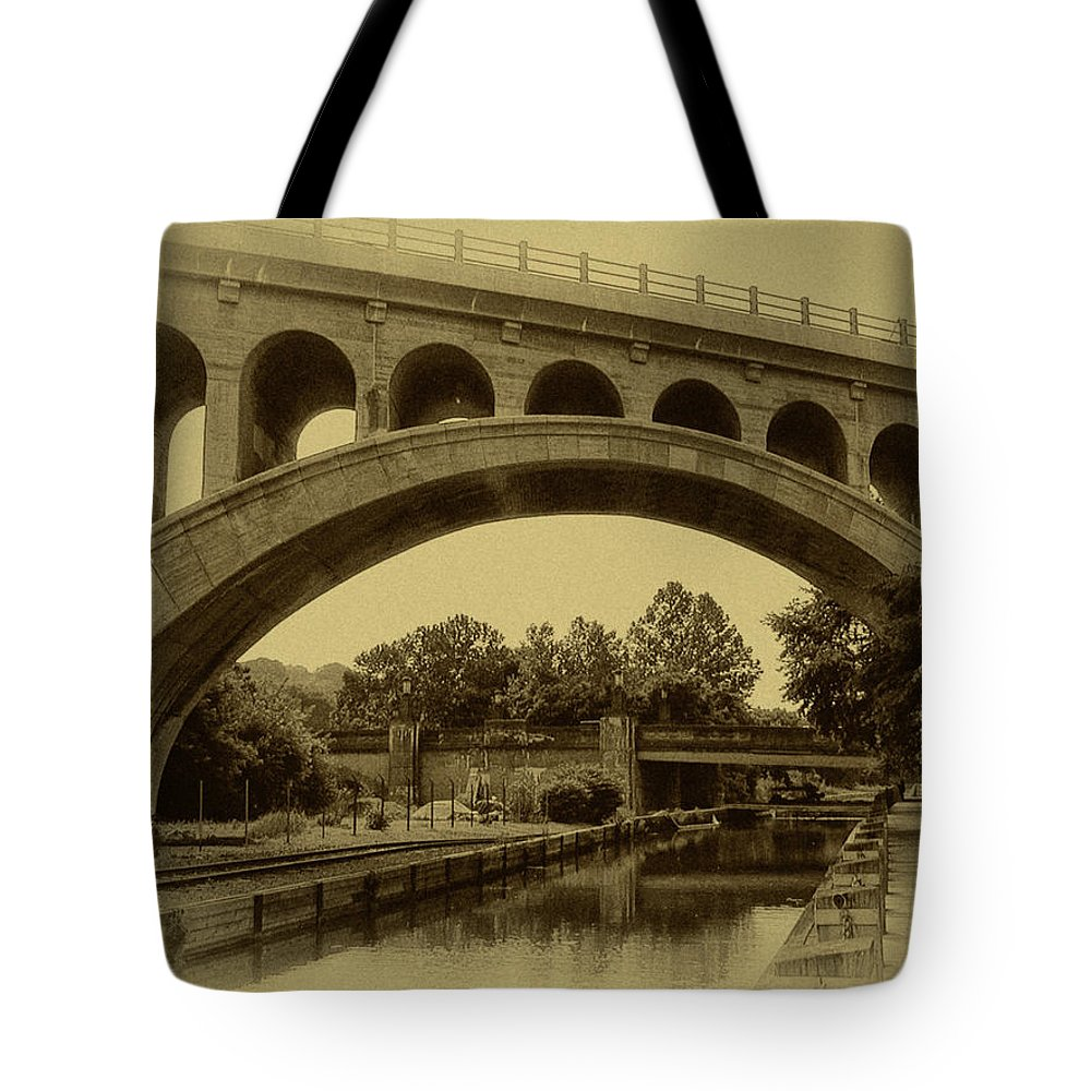 Manayunk Tote Bag featuring the photograph Manayunk Canal In Sepia by Bill Cannon