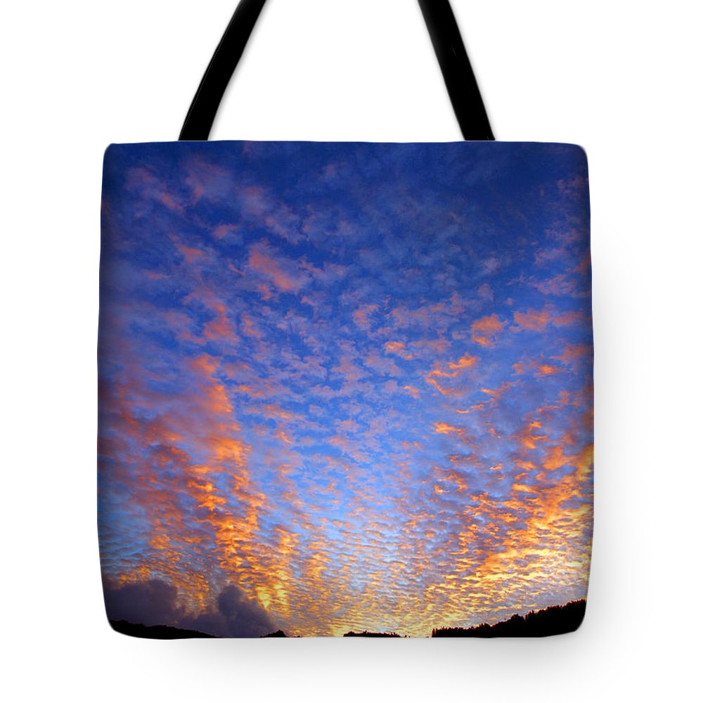 Hawaii Tote Bag featuring the photograph Manoa Valley Sunrise by Kevin Smith