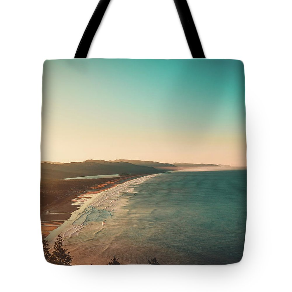 Landscapes Tote Bag featuring the photograph Manzanita, Or by Luis Orozco