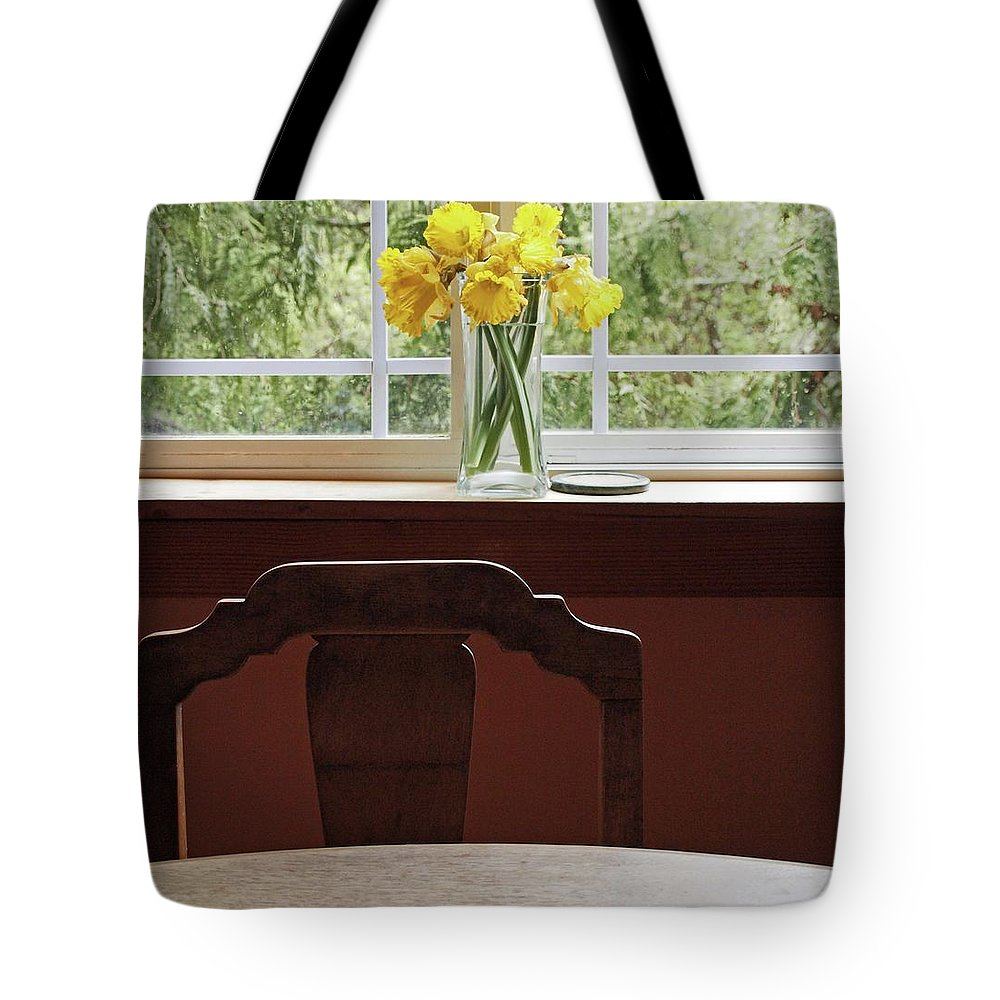 Flowers Daffodils Tote Bag featuring the photograph March by Laurie Stewart