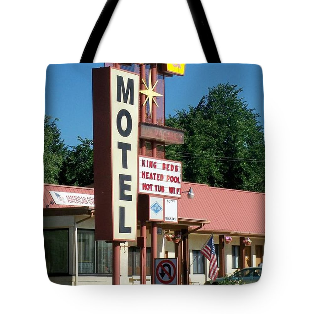 Vintage Motel Signs Tote Bag featuring the photograph Mecca Motel by Anita Burgermeister