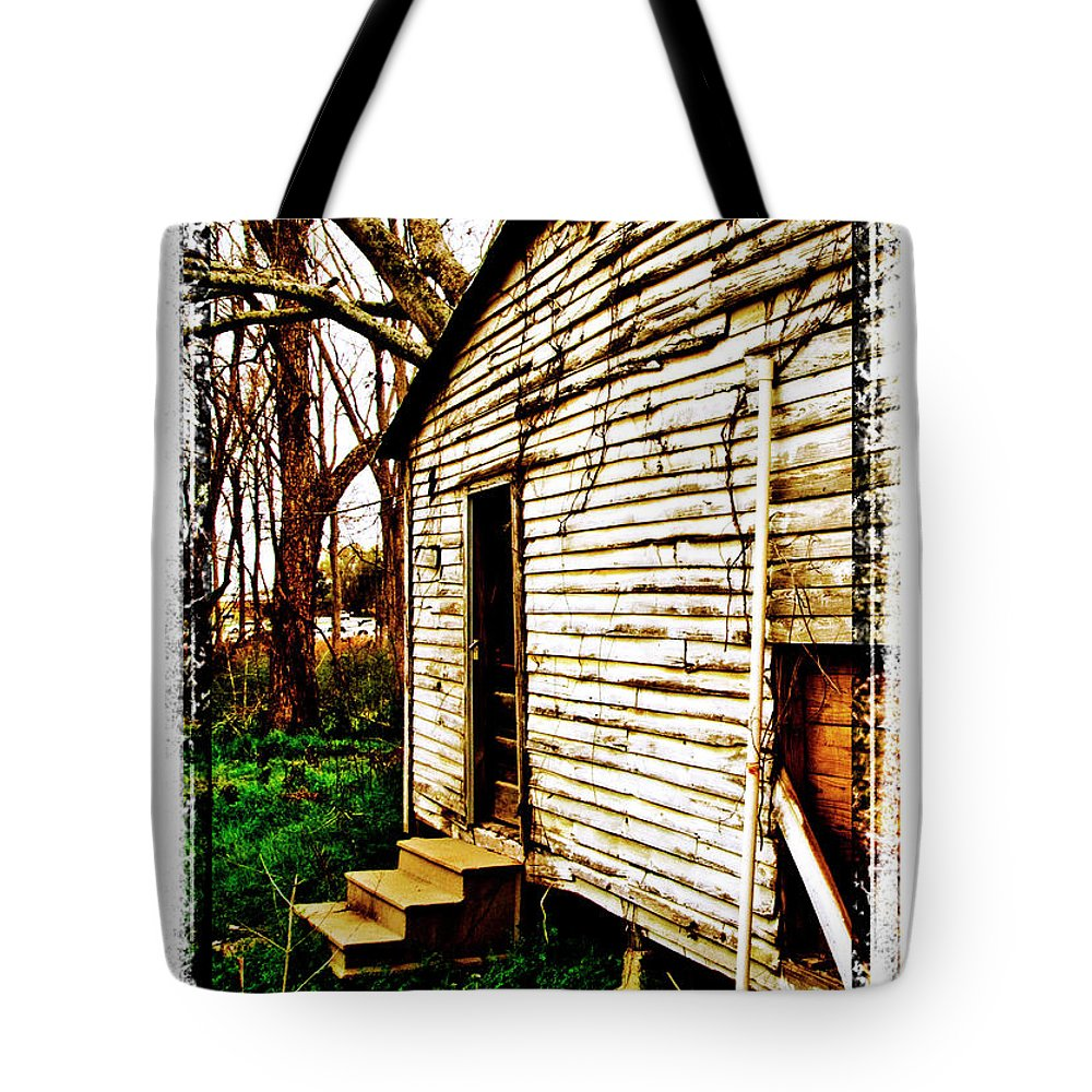 Border Tote Bag featuring the photograph Memories by Scott Pellegrin