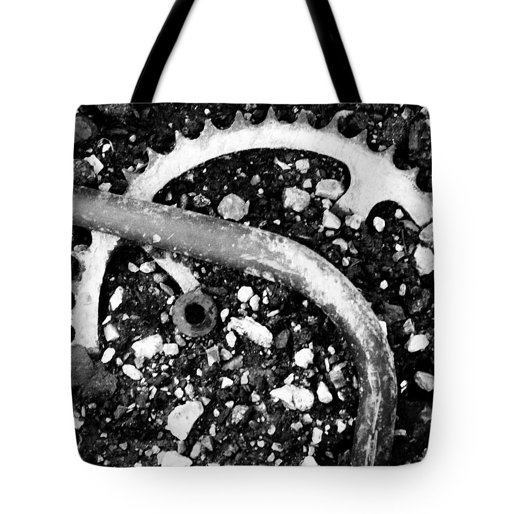 Metal Tote Bag featuring the photograph Metallic Curves by Angus Hooper Iii