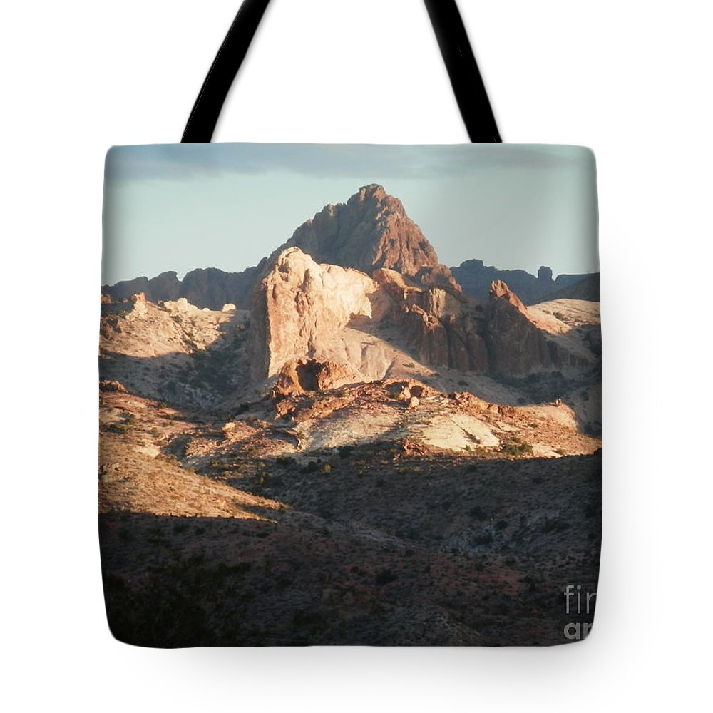 Desert Rocks Tote Bag featuring the photograph Midday Groove by L Cecka