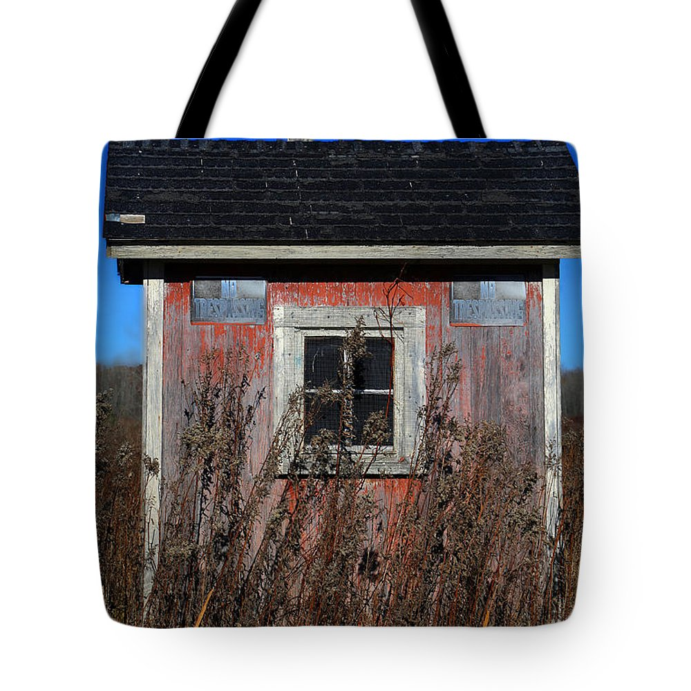 Shack Tote Bag featuring the photograph Middle Of Nowhere by Mary Bedy