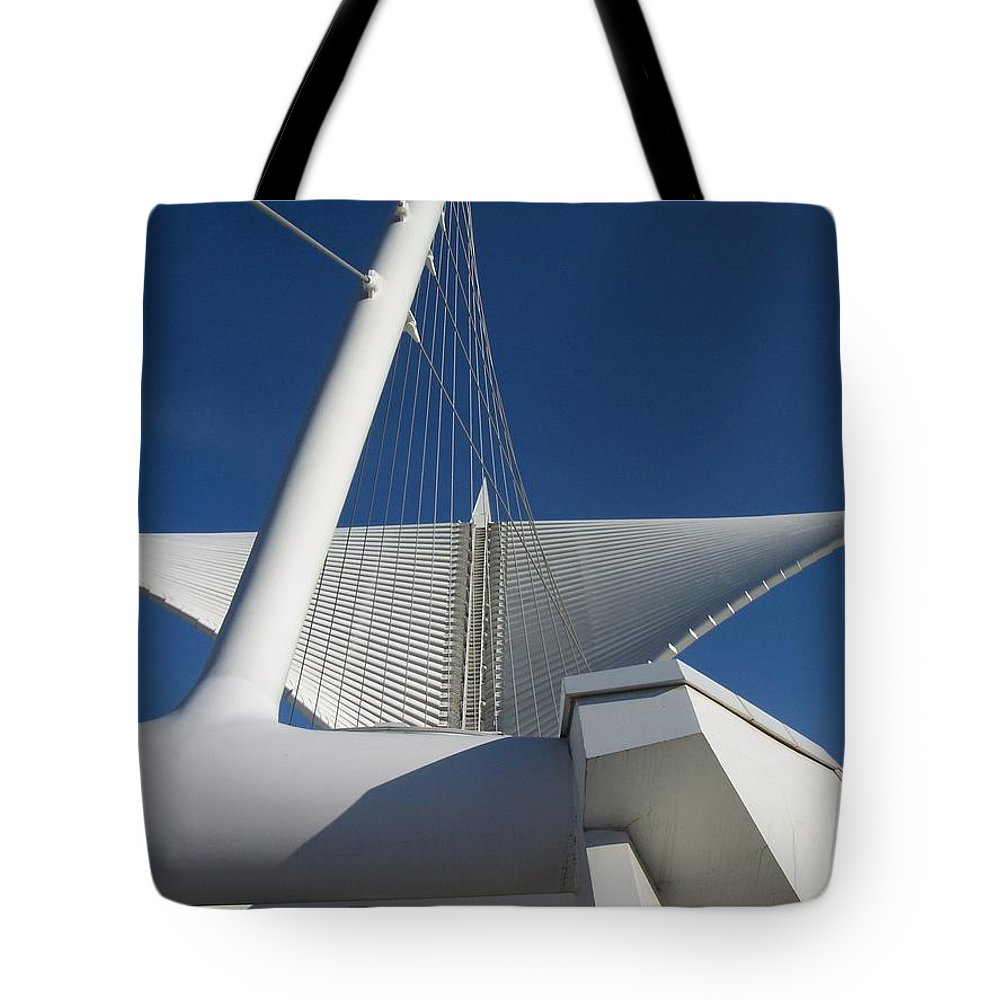Mam Tote Bag featuring the photograph Milwaukee Art Museum Cropped by Anita Burgermeister