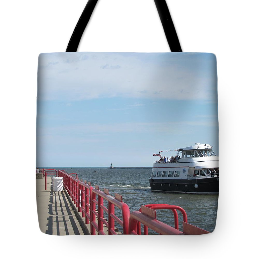 Milwaukee Tote Bag featuring the photograph Milwaukee Harbor And Boat by Anita Burgermeister