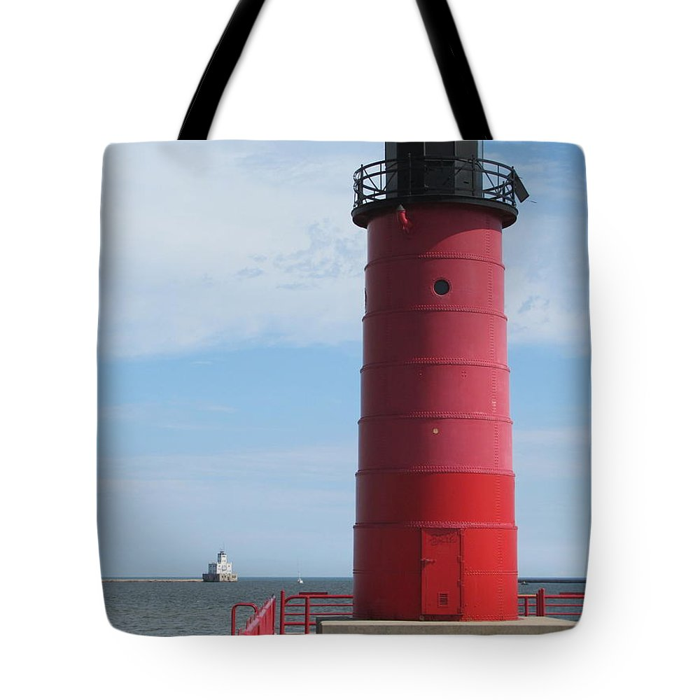 Milwaukee Tote Bag featuring the photograph Milwaukee Harbor Lighthouse by Anita Burgermeister